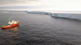 Approaching the Getz Ice Shelf