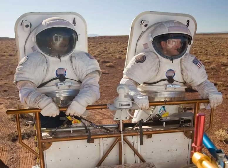 Astronauts Simulated Mars Exercise