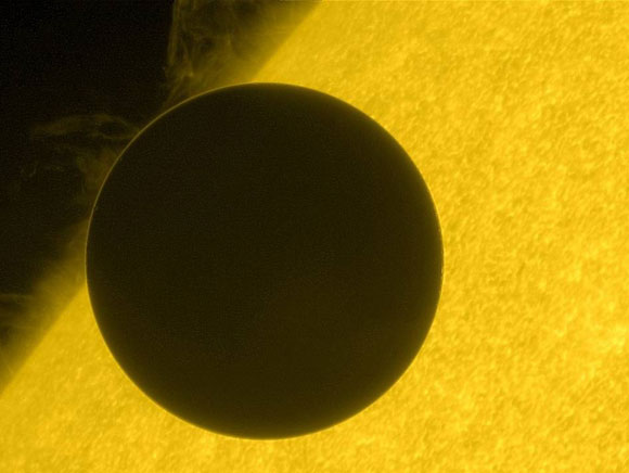 Astronomers Study Atmosphere of Venus through Transit Images
