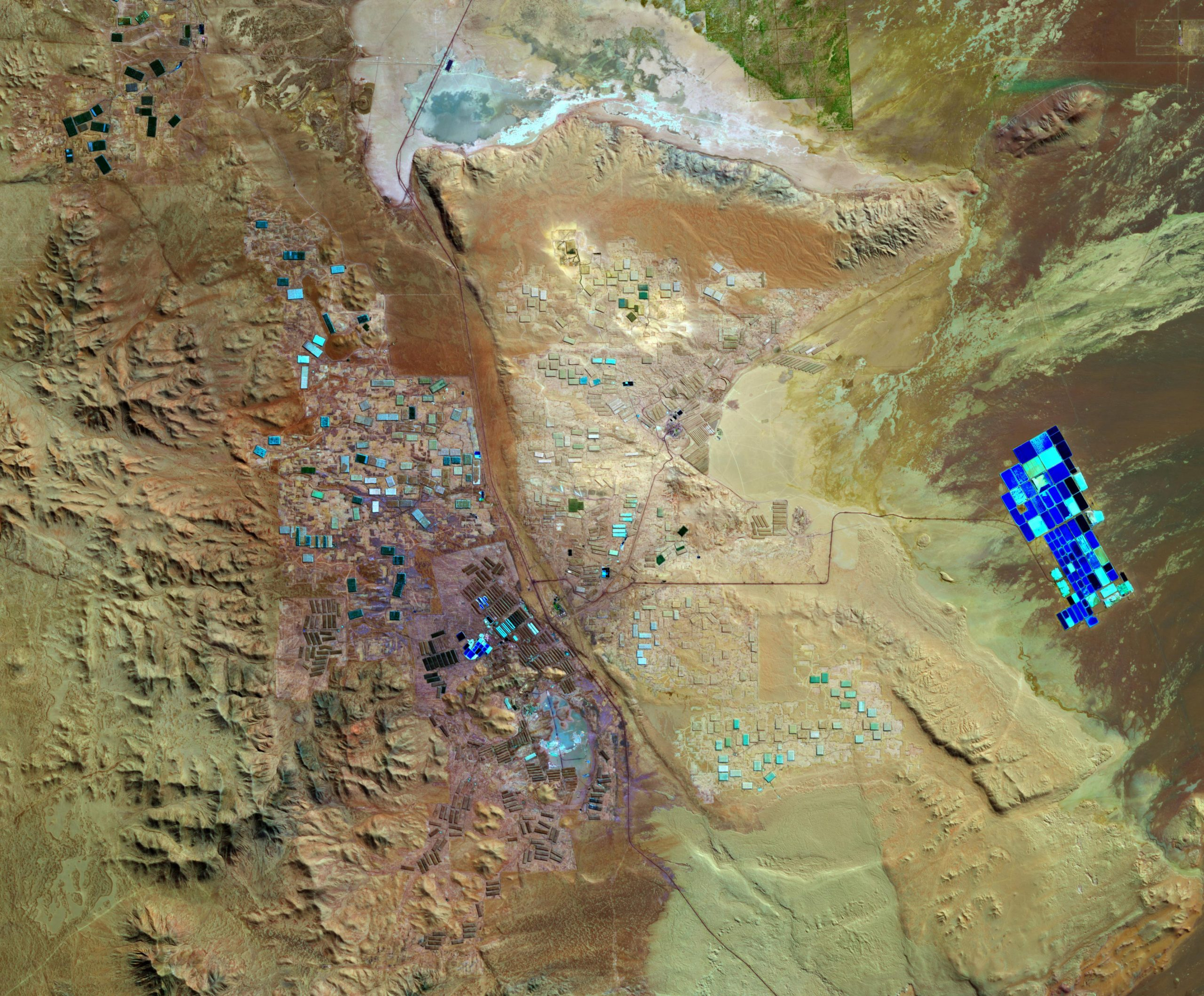 Vast Mineral Deposits in the Atacama Desert Seen From Space - SciTechDaily