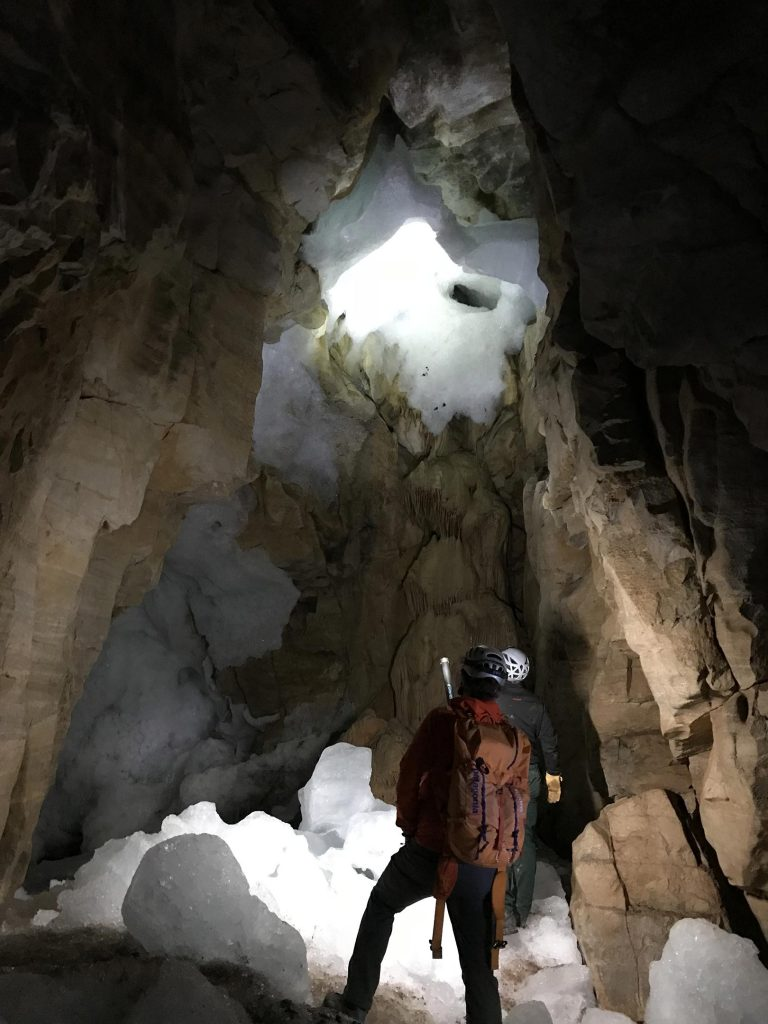 Canadian Cave Mineral Deposits
