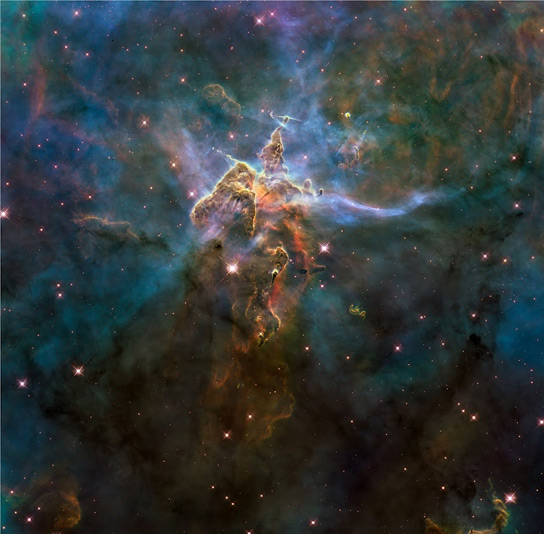 Astronomers Combine Hundreds of Images of Carina Nebula to ...