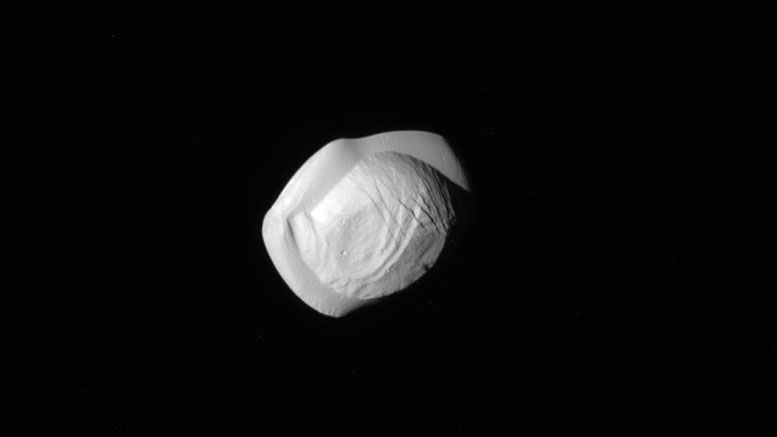 Cassini Reveals Shape of Saturn's Moon Pan