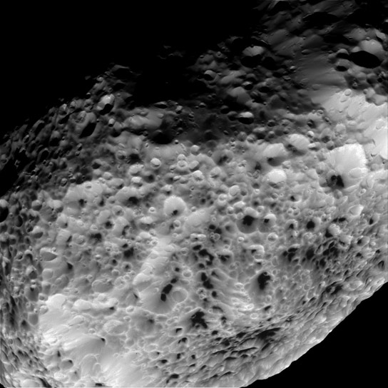 Cassini Sends Fina Views of Moon Hyperion