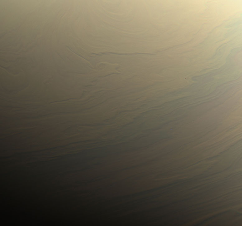 Cassini Views Dreamy Swirls on Saturn
