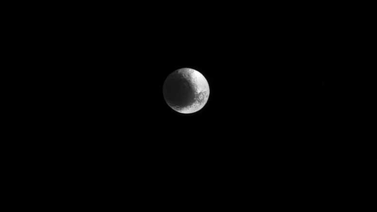 Cassini Views Iapetus