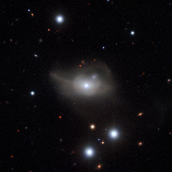 ESO Views Active Galaxy Markarian 1018