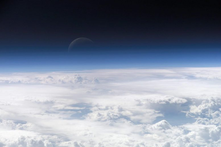 Earths Atmosphere from ISS