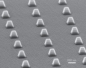 Electron micrograph showing arrays of indefinite optical cavities