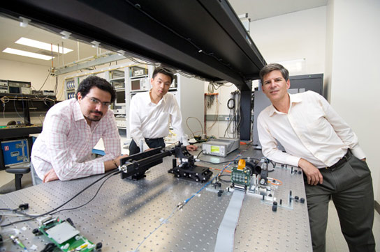 Engineers Develop High Resolution Endoscope as Thin as a Human Hair
