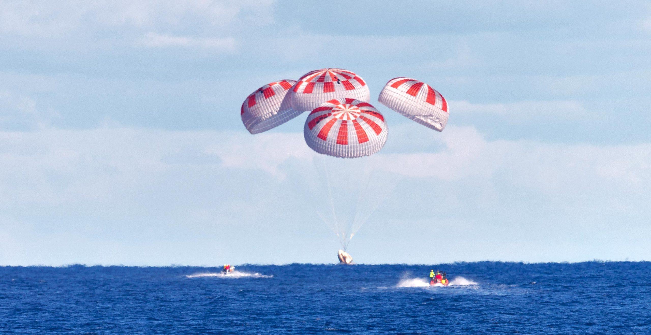 NASA Astronauts Wake Up, Prep SpaceX Crew Dragon For Splashdown