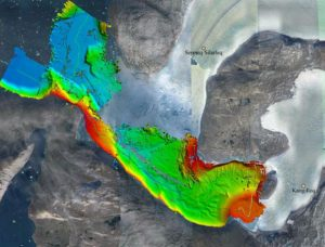First High-Resolution Maps of the Complete Greenland Coast