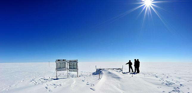 Greenland Ice Sheet Seismic Station