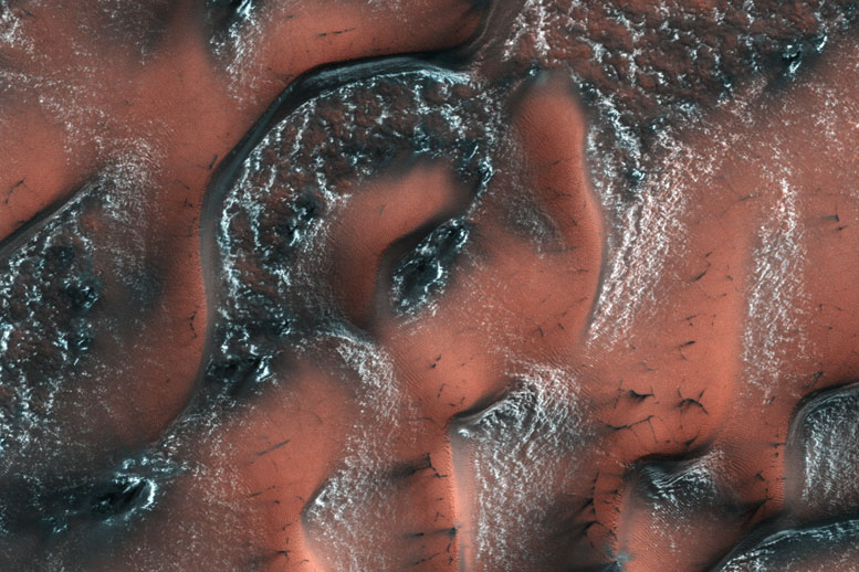 HiRISE Image of Snowy Dunes on Mars