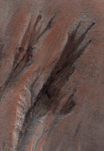 HiRISE Views Gullies on Mars
