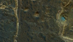HiRISE Views Lakebeds in Holden Crater on Mars