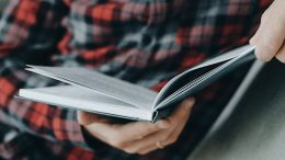 How Reading Changes the Way We Think