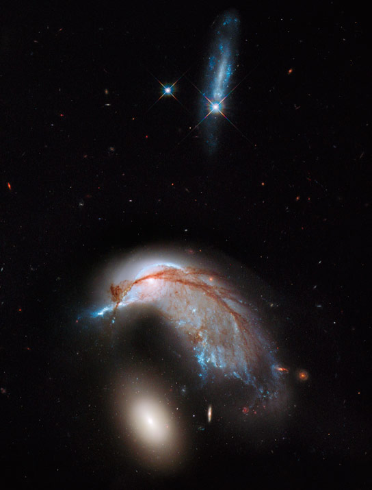 Hubble Captures Collision Between Two Galaxies