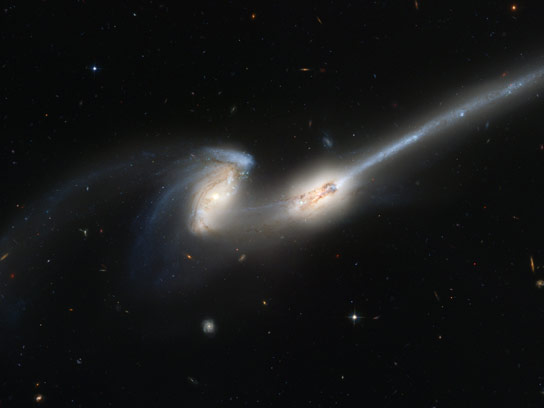 Hubble Image of Colliding Galaxies