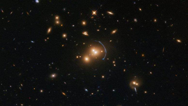 Hubble Image of Galaxy Cluster SDSS J1152+3313