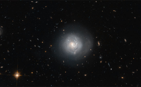 Hubble Image of Lenticular Galaxy Mrk 820