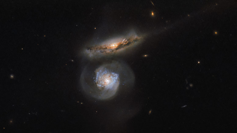 Hubble Image of MCG+01-38-004 and MCG+01-38-005