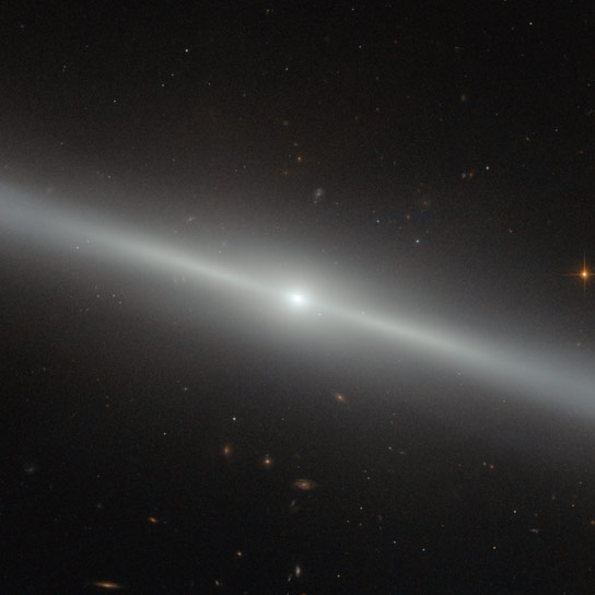 Hubble Views Galaxy NGC 4762