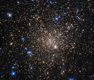 Hubble Views Globular Cluster Terzan 1