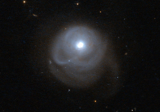 Hubble Views Infrared Galaxy 2MASX J05210136 2521450