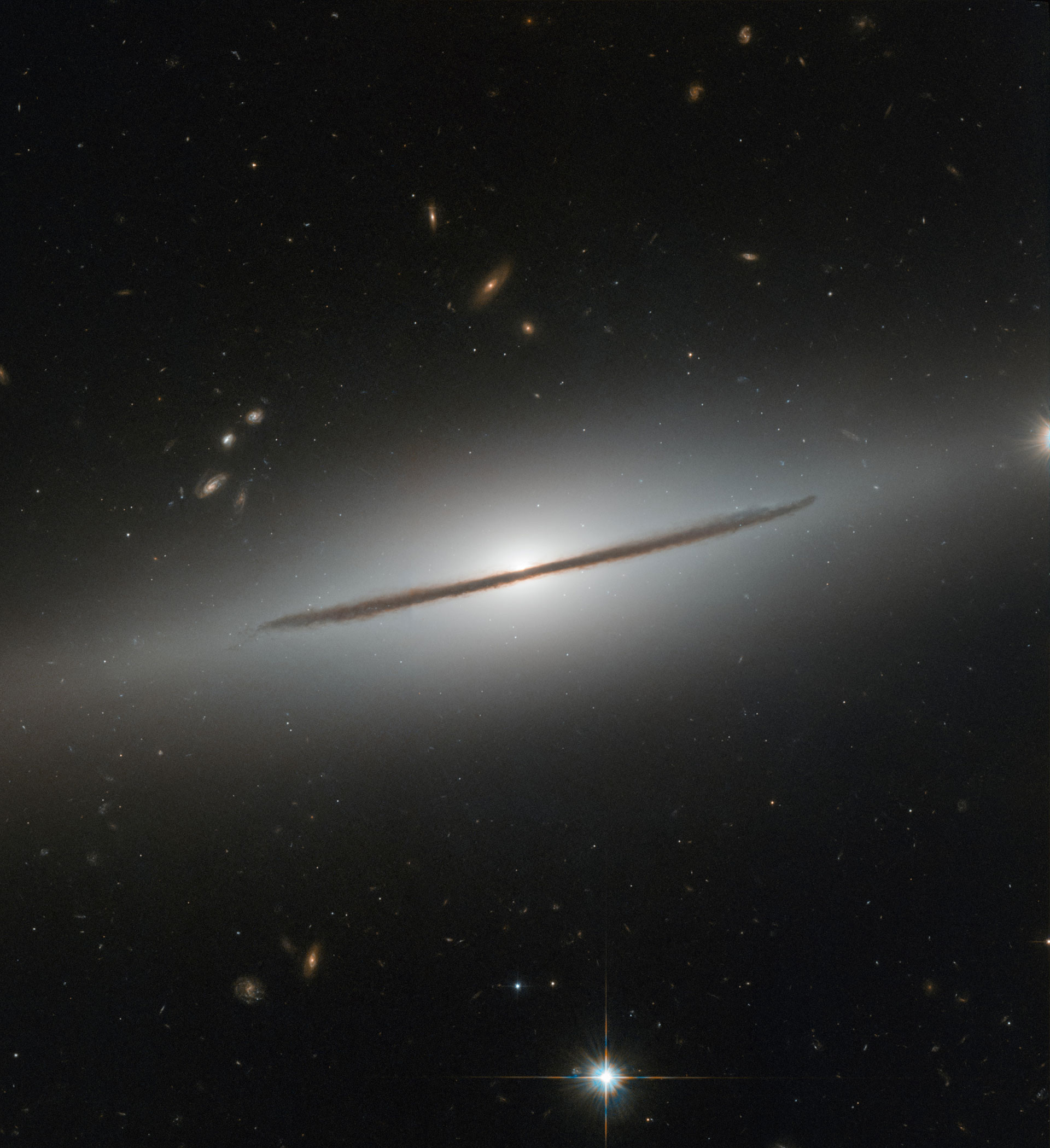 Hubble Telescope Image of the Week - A Spiral Disguised