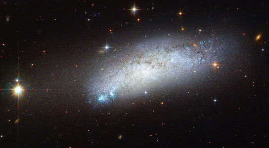 Hubble Views Peculiar Galaxy ESO 162-17
