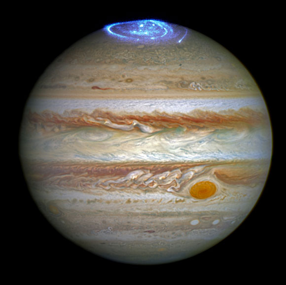 Hubble Views Vivid Auroras in Jupiter's Atmosphere
