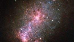 Hubble Views the Vibrant Core of Galaxy NGC 3125