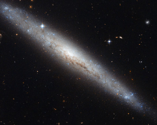 Hubble views galaxy NGC 4183