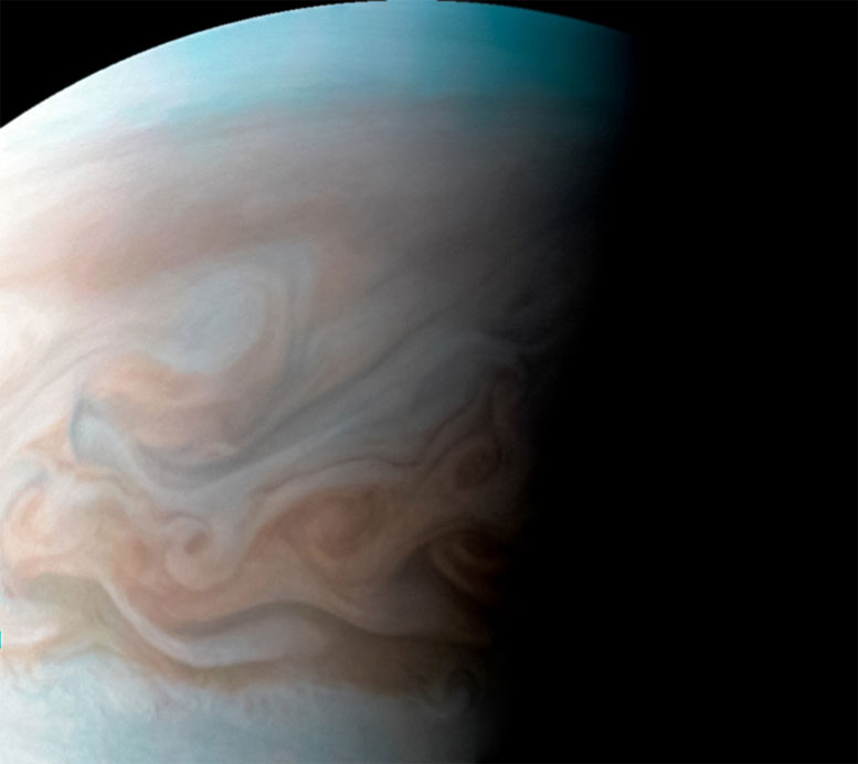Juno Views Jupiter Cloudscape in High Resolution