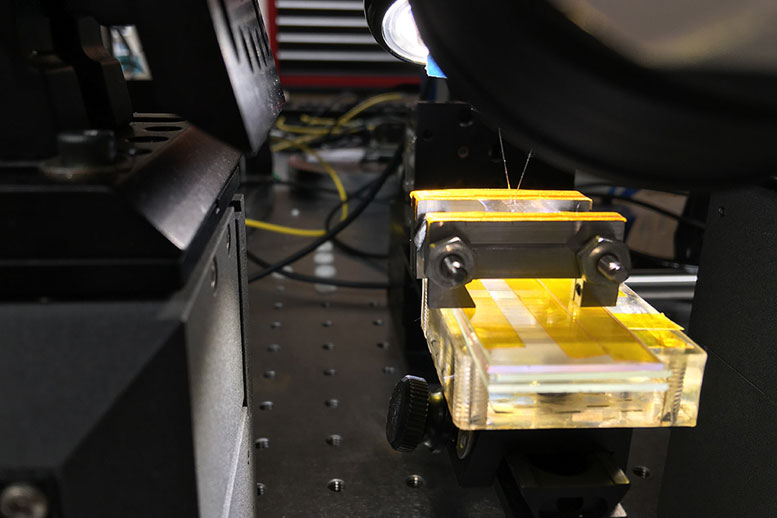 MIT Researchers Develop Flexible Photonics
