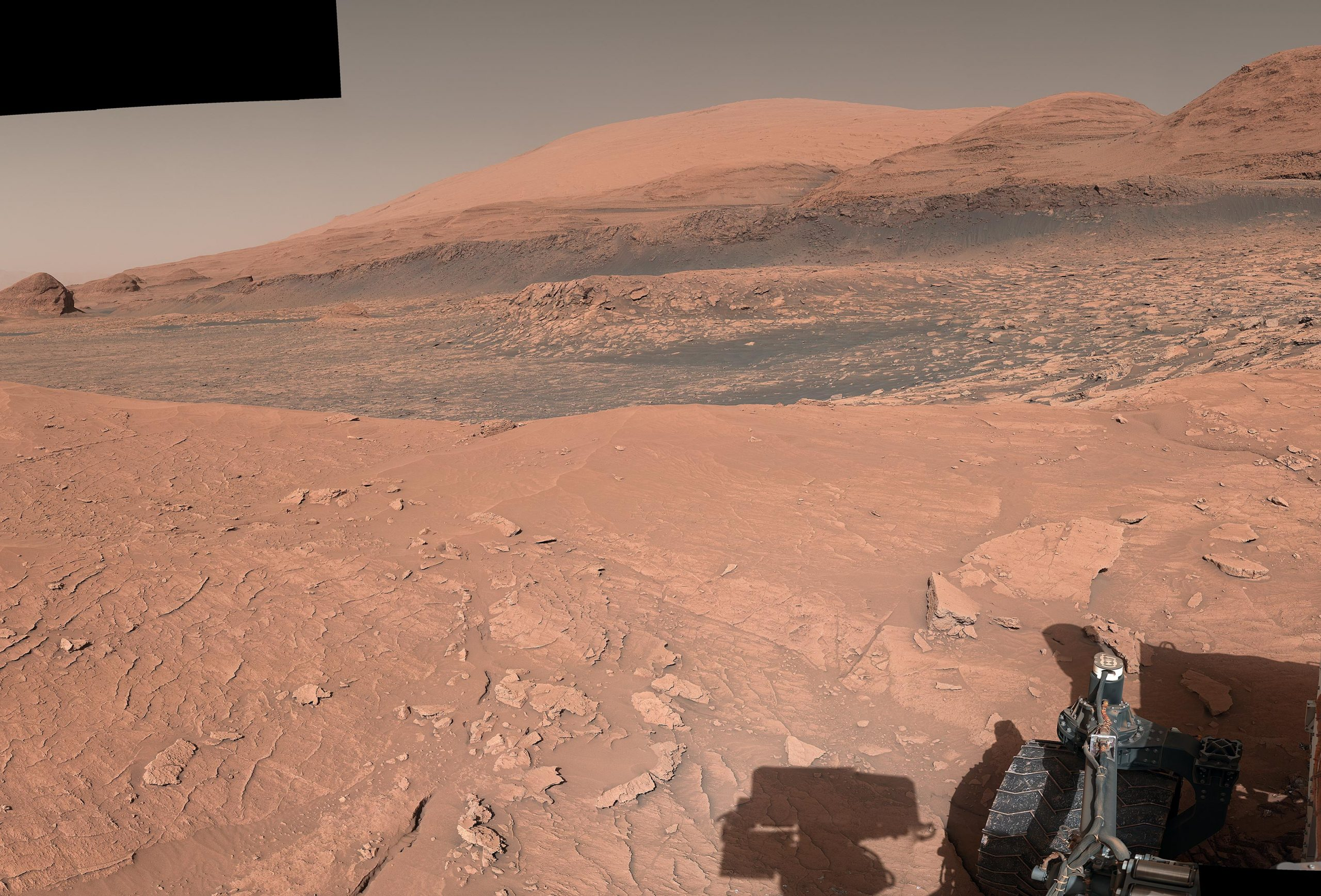"""See NASA's Curiosity Rover's Stunning 360-Degree View Atop """"Mont Mercou"""" on Mars"""