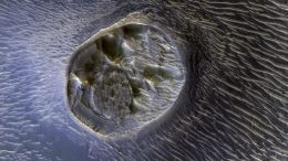 Mars Reconnaissance Orbiter Views a Small Mesa in Noctis Labyrinthus