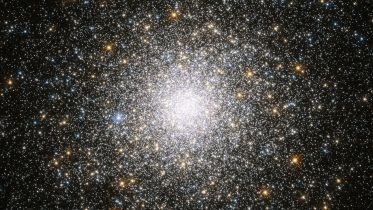Hubble Telescope Image of the Week – Crowded Cluster