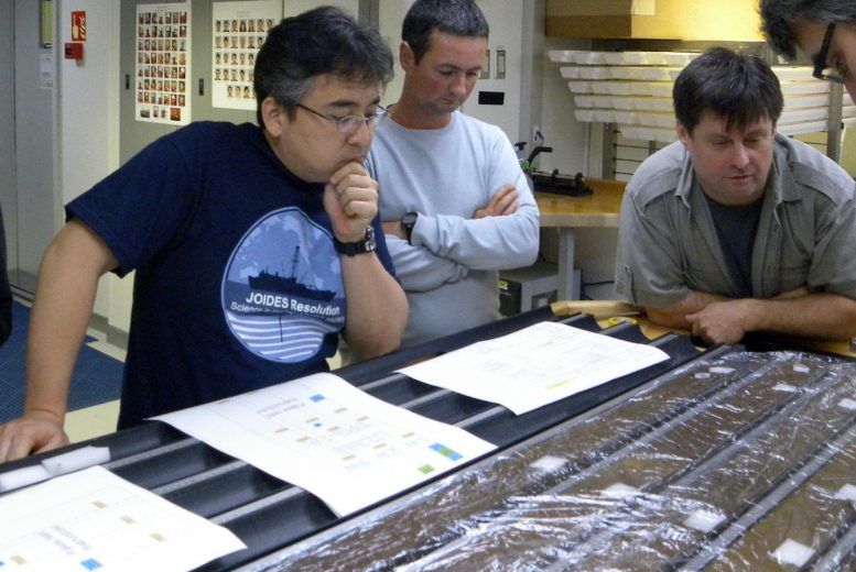 Morono and D'Hondt with Sediment Cores