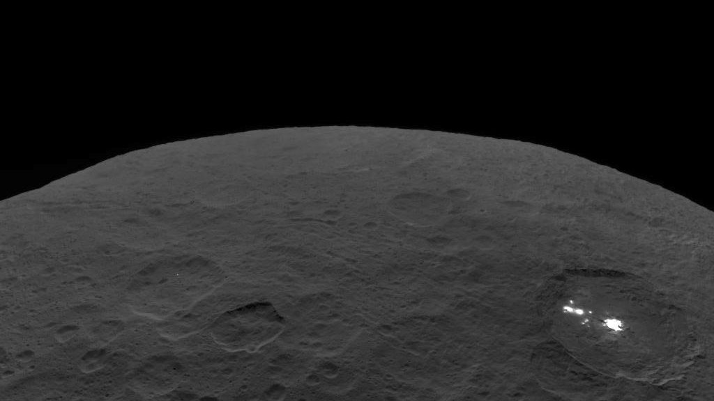 NASA asteroid-exploring Dawn spacecraft says a sad goodbye