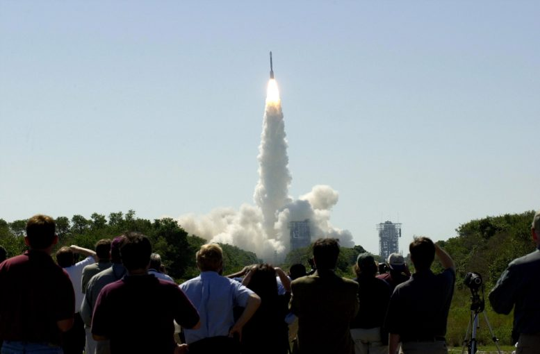 NASA 2001 Mars Odyssey Lift Off