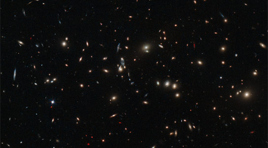 New Hubble Image of Galaxy Cluster MACS J01525 2852