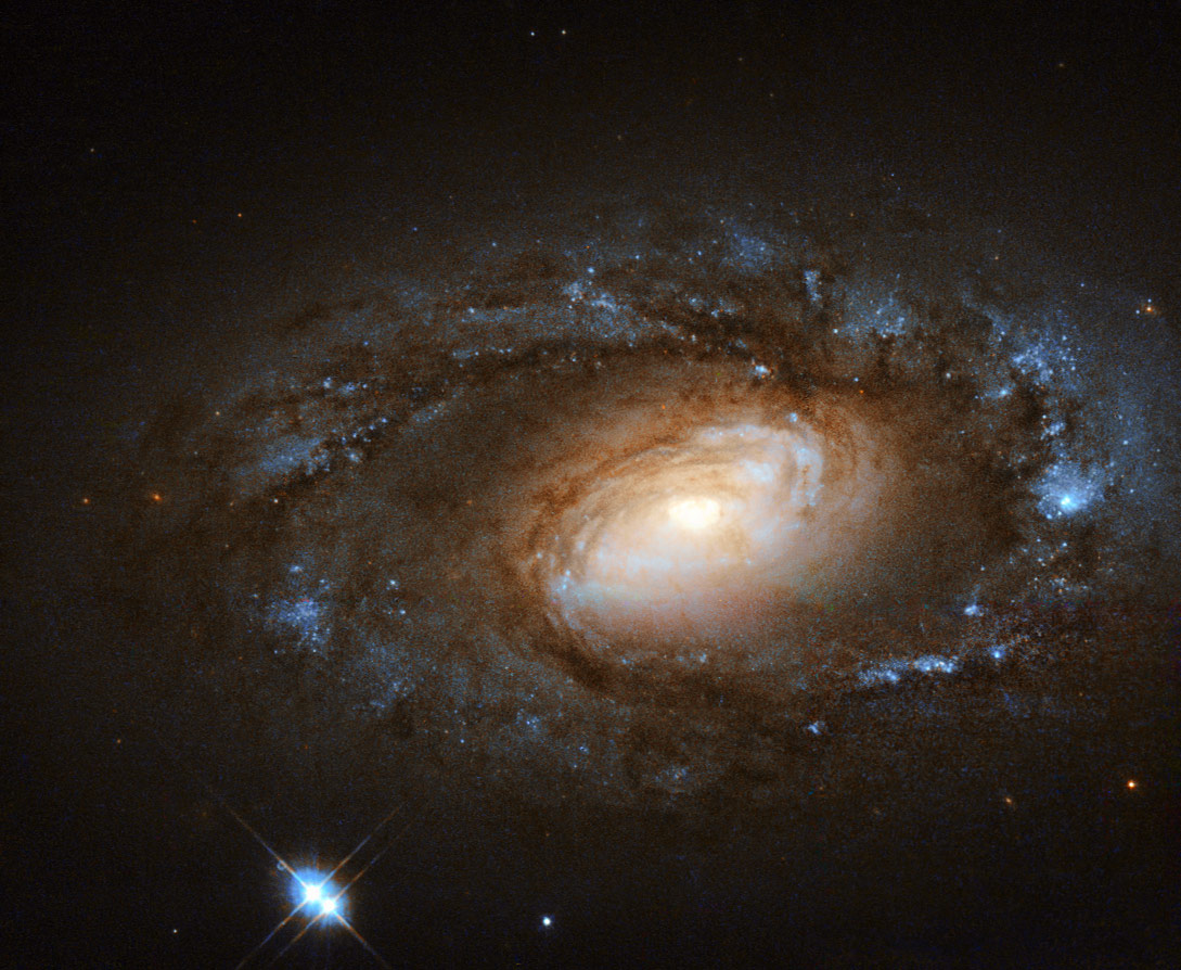 best photos of distant galaxies - photo #34