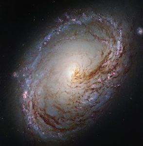 New Hubble Image of Spiral Galaxy Messier 96