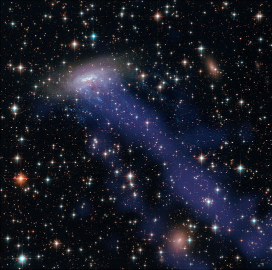 New Hubble and Chandra Composite Image of ESO 137-001