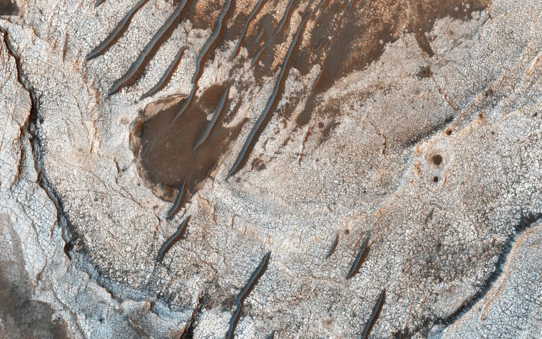 New Image Reveals The Red Planet's Layered History