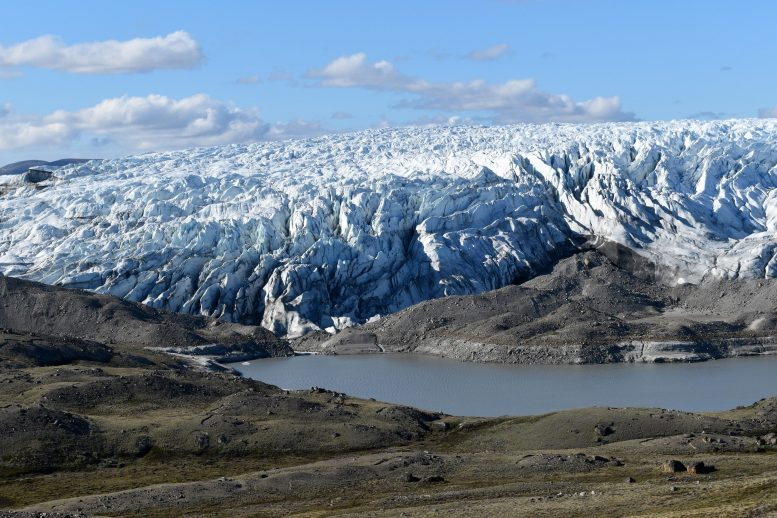 New Lake Forming on Edge of Greenland Ice Sheet