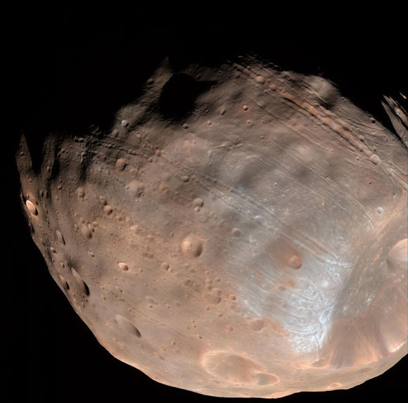 New Models Reveal Mars' Moon Phobos is Slowly Falling Apart