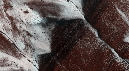 New NASA Image Shows Frosty Slopes on Mars